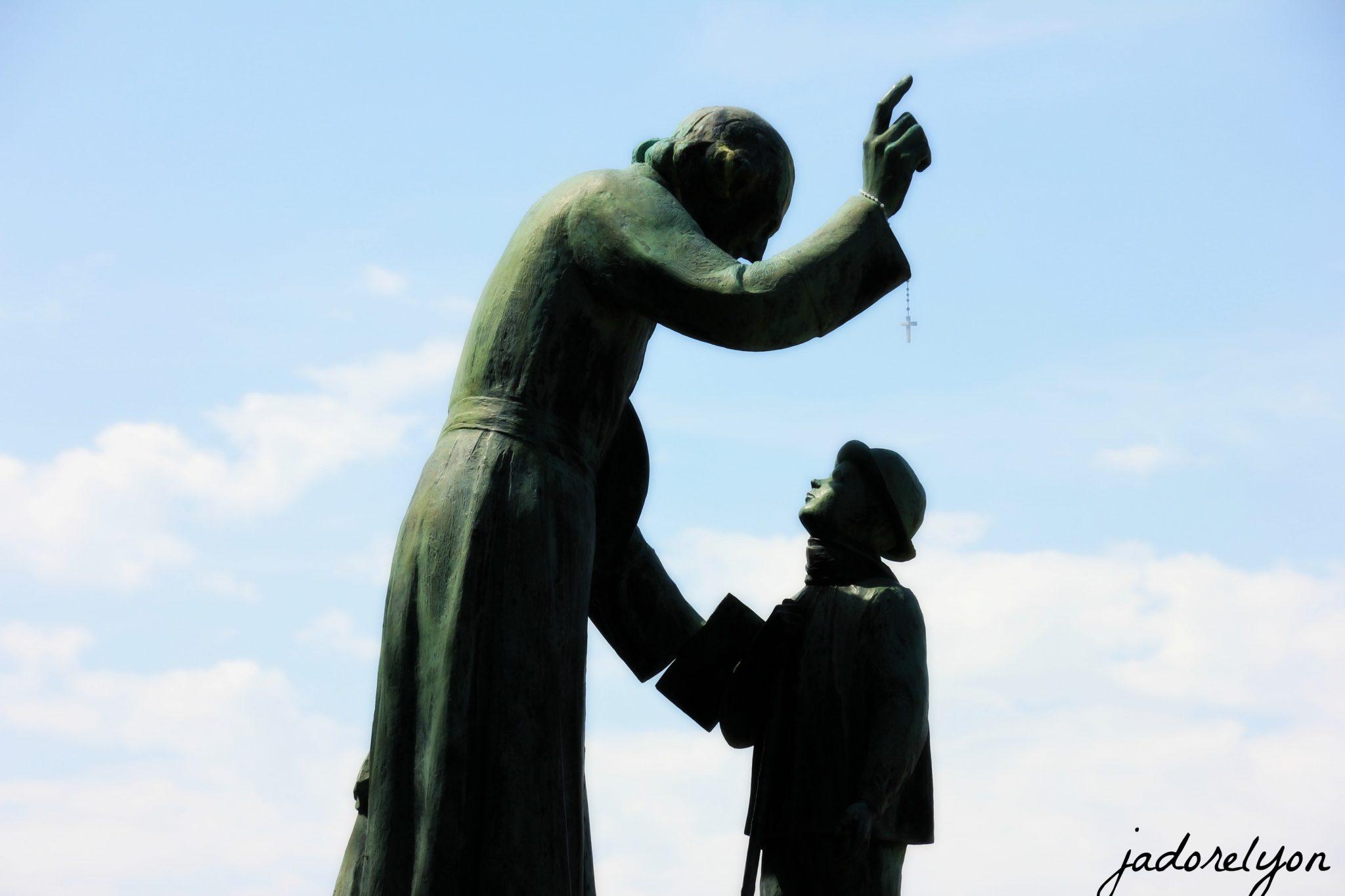 Because you shouldn't miss Monument de la Rencontre Ars-sur-Formans.