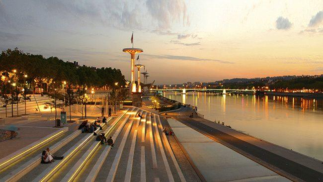 Lyon Sur Divan