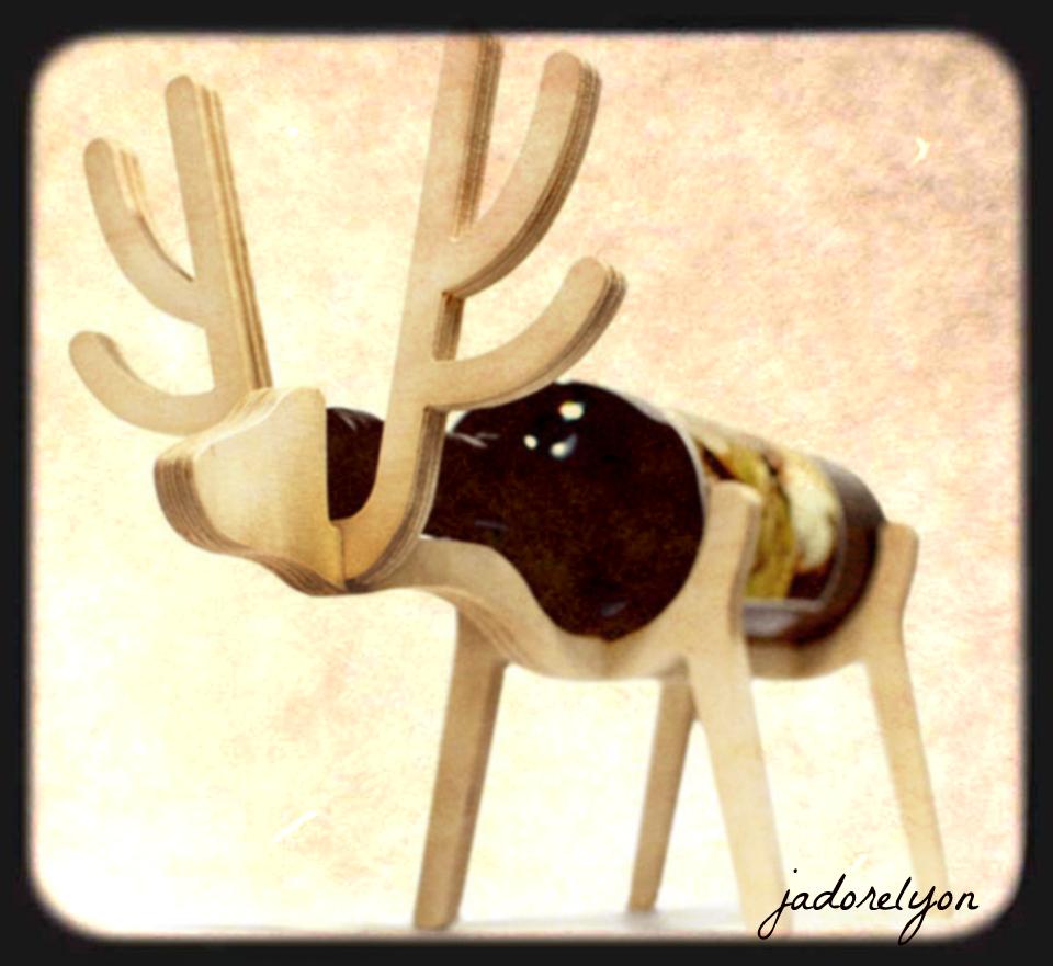 animals bone wine holder
